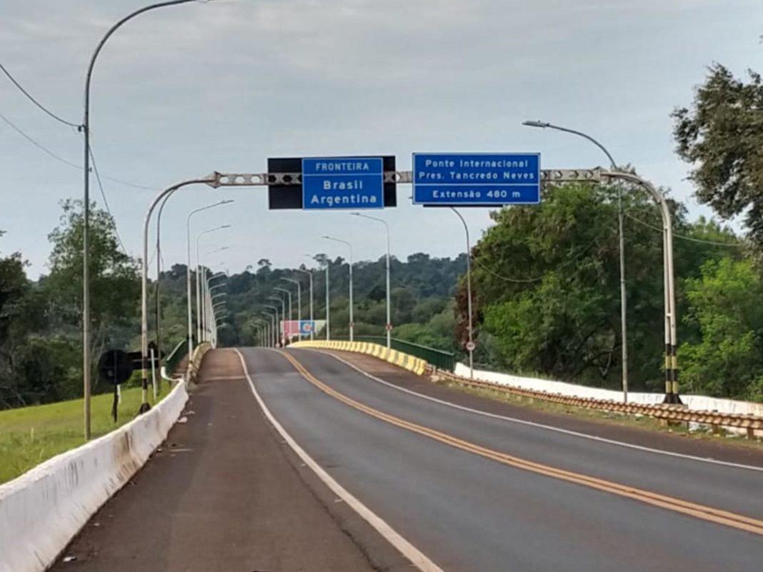 El Puente Tancredo Neves está inhabilitado para el cruce entre Argentina y Brasil
