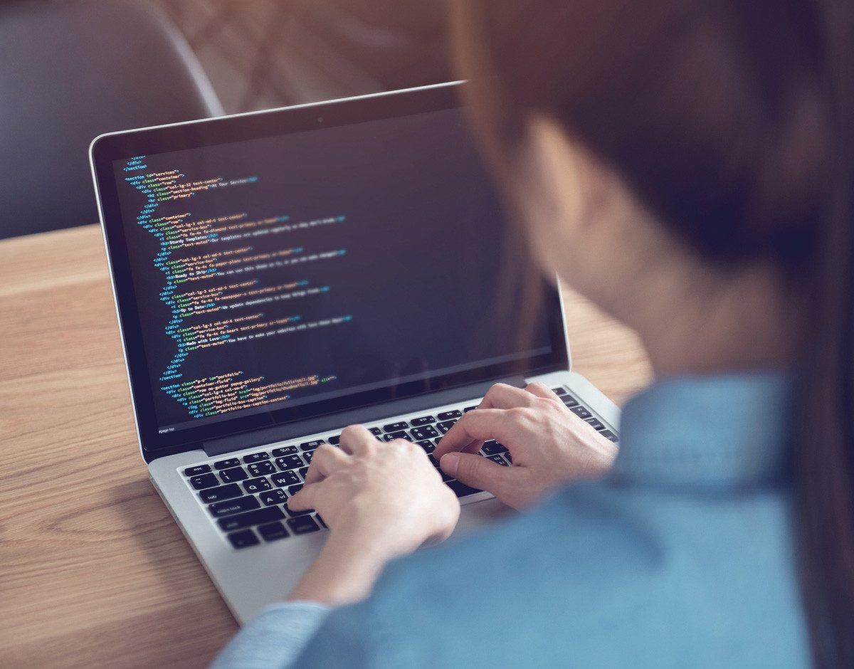 Corrientes ofrecerá capacitaciones en programación y robótica a jóvenes -  NEA HOY