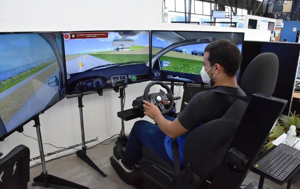 El Centro de Emisión de Licencias implementa un novedoso simulador